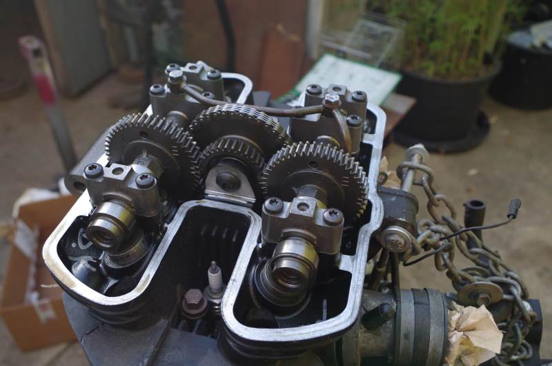 alternate view valve train 865 engine